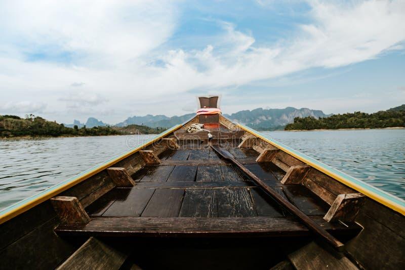 Barco de madera de la cola larga foto de archivo libre de regalías