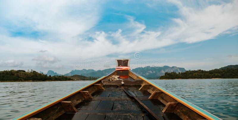 Barco de madera de la cola larga fotos de archivo