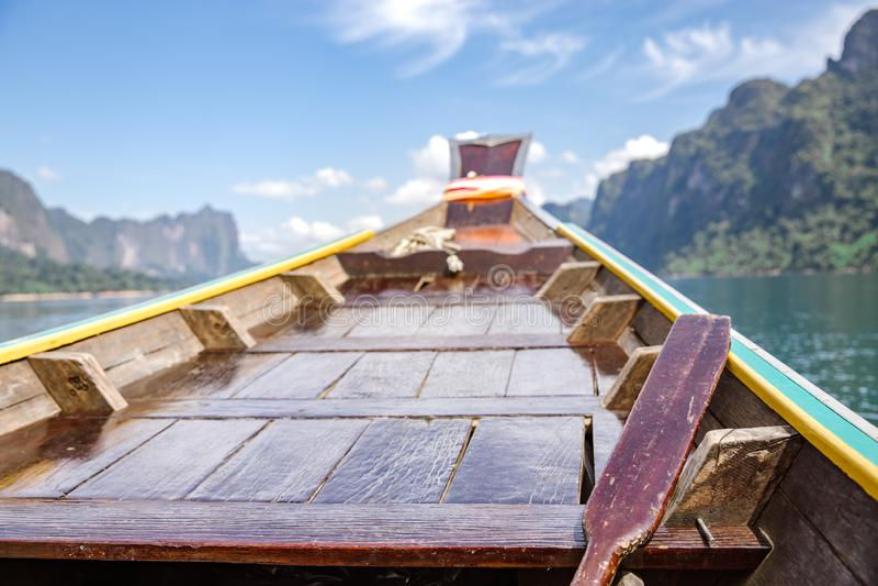 Barco de madera de la cola larga fotografía de archivo