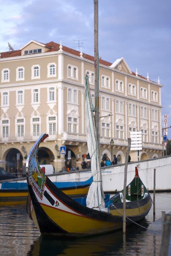 Barco de Moliceiro na cidade de aveiro imagem de stock