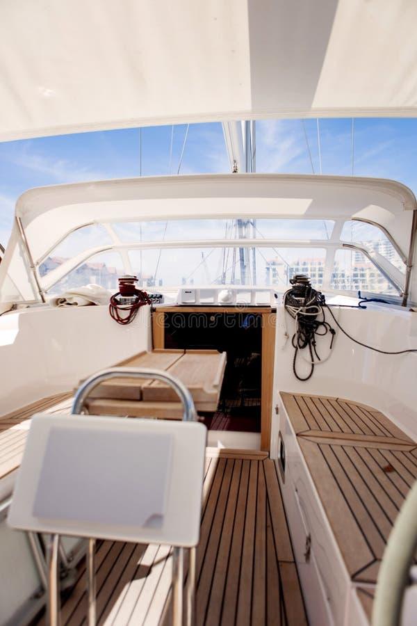 Barco de navegación de lujo imágenes de archivo libres de regalías