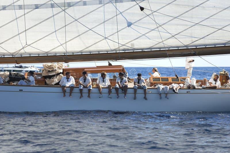 Barco de navigação antigo durante uma regata no clássico Yac de Panerai fotografia de stock royalty free