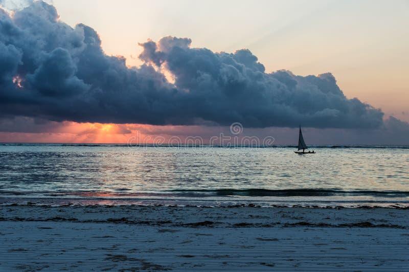 Barco de navigação do Dhow fotos de stock