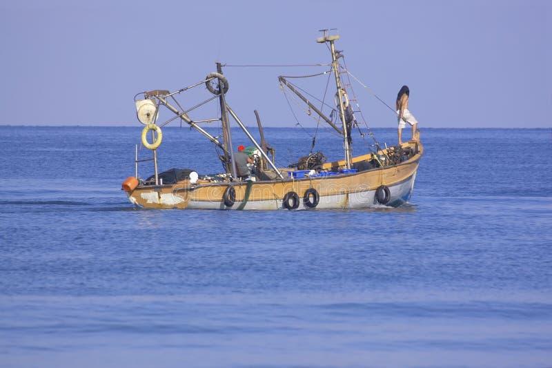 Download Barco de pesca foto de archivo. Imagen de azul, bahía - 1292694