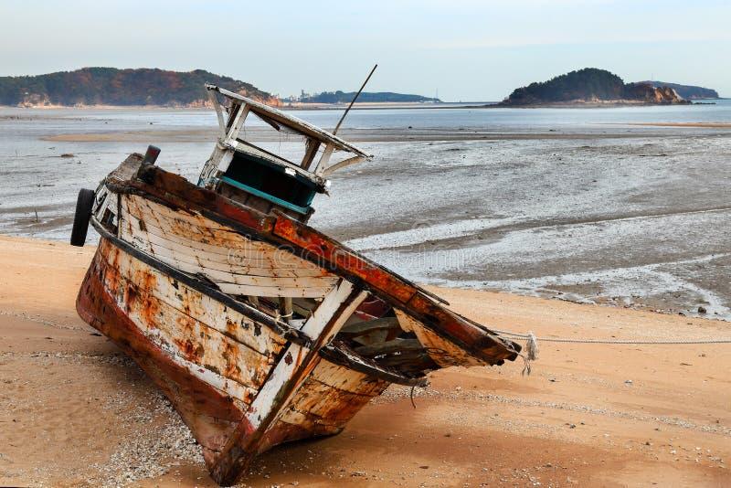 Barco de pesca aposentado fotografia de stock royalty free