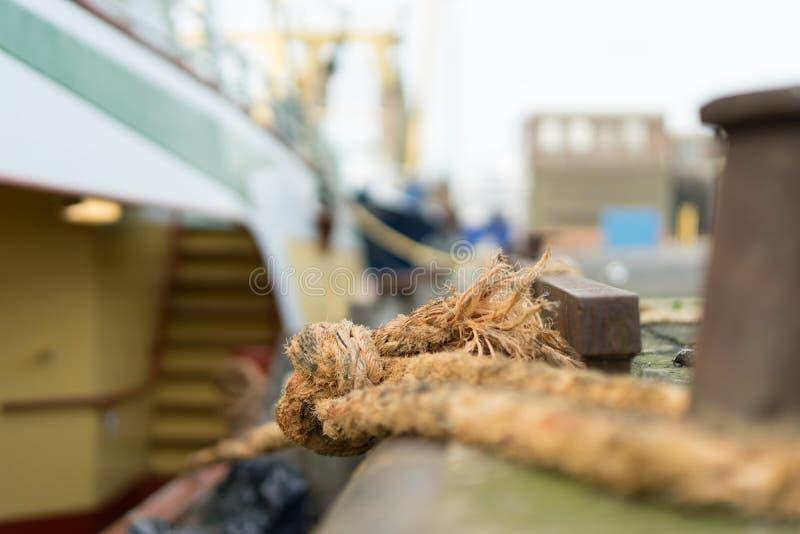 Barco de pesca Berthed imagens de stock