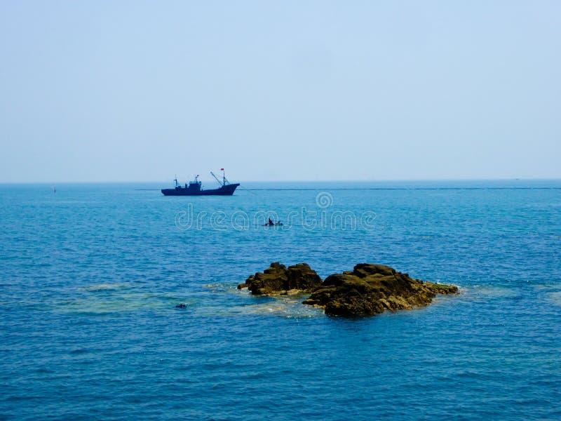 Barco de pesca de Qingdao imágenes de archivo libres de regalías