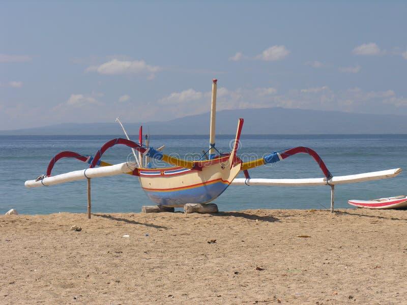 Barco de pesca do Balinese imagens de stock royalty free
