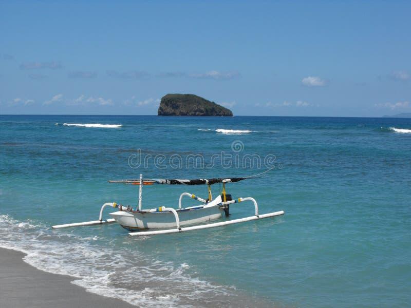 Barco de pesca do Balinese fotos de stock royalty free