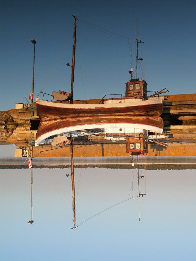 Barco de pesca do close up foto de stock