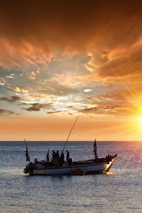 Barco de pesca do Dhow fotos de stock royalty free