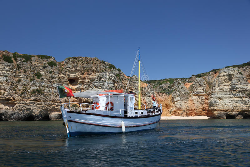 Barco de pesca em Portugal imagem de stock royalty free