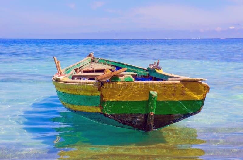 Barco de pesca haitiano fotos de stock royalty free