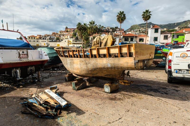 Barco de pesca de madeira - Camara de Lobos, Madeira, Portugal fotografia de stock royalty free