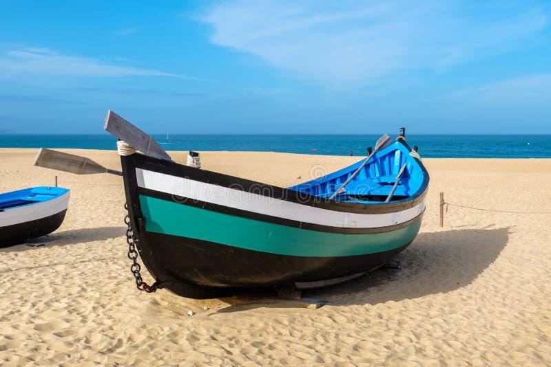 Barco de pesca Nazare, Portugal fotografia de stock