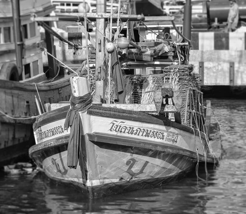 Barco de pesca tailandês tradicional imagem de stock royalty free