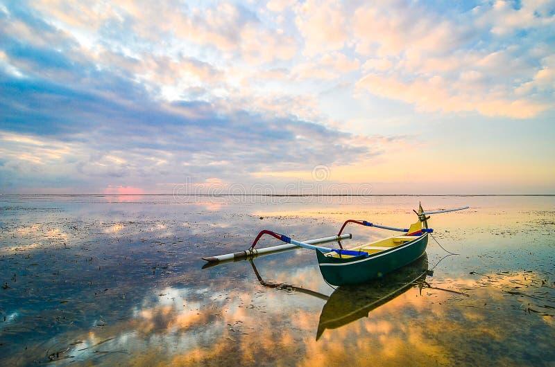 Barco de pesca tradicional foto de archivo libre de regalías