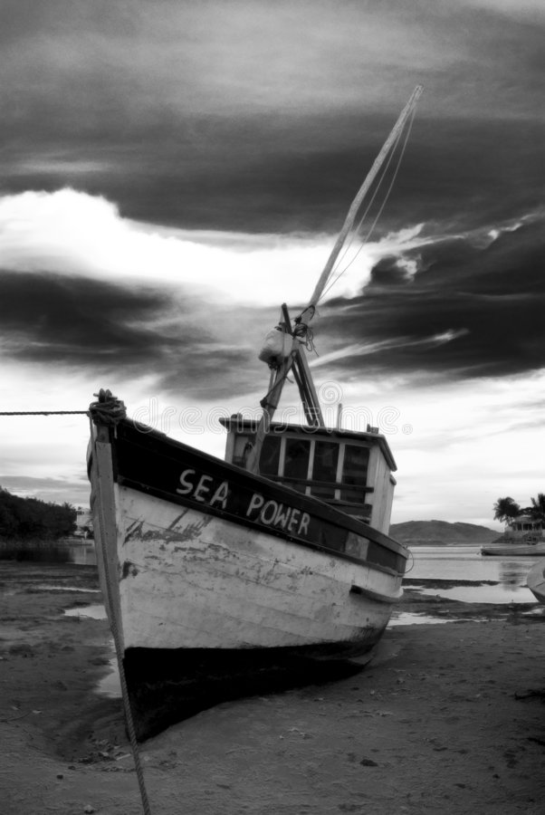 Barco de pesca viejo fotografía de archivo libre de regalías