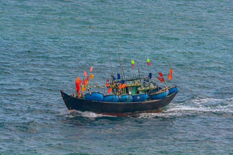 Barco de pesca vietnamita fotos de archivo libres de regalías