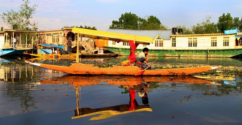 Barco de Shikara foto de stock