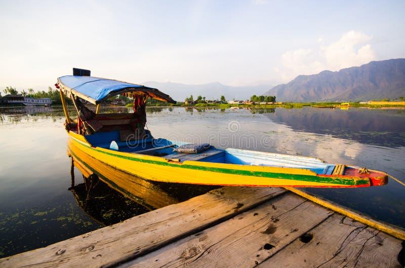Barco de Shikara fotos de stock