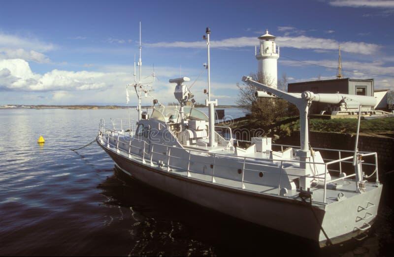 Barco de torpedo sueco velho no museu naval de Karlskrona fotografia de stock