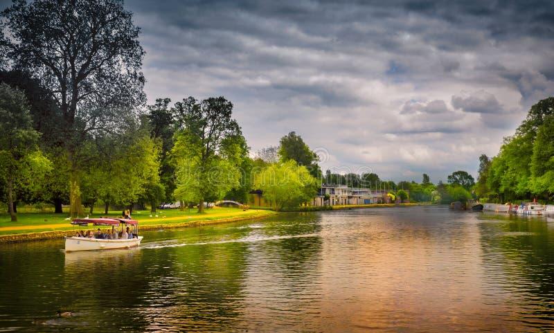 Barco de turista, o Isis, Oxford, Inglaterra fotos de stock royalty free