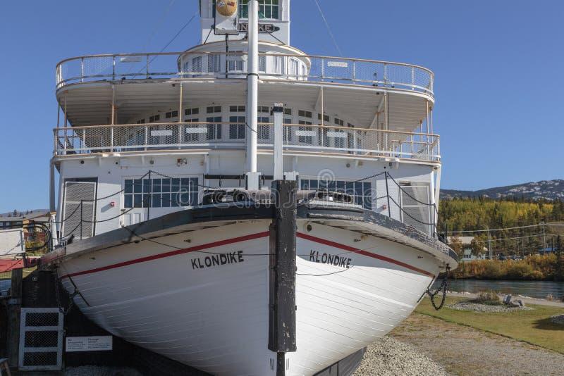 Barco de vapor histórico viejo de Klondike de la fiebre del oro en Whitehorse Canadá fotos de archivo