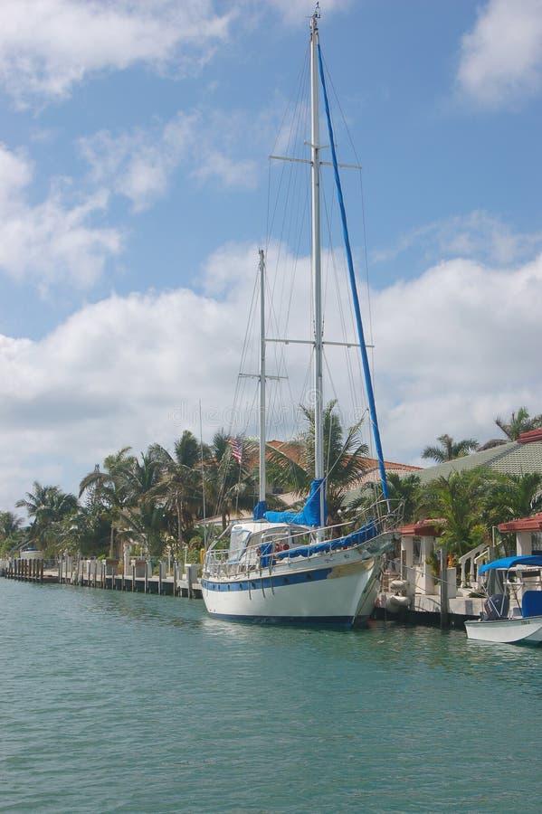Barco de vela del 3area de embarque fotografía de archivo