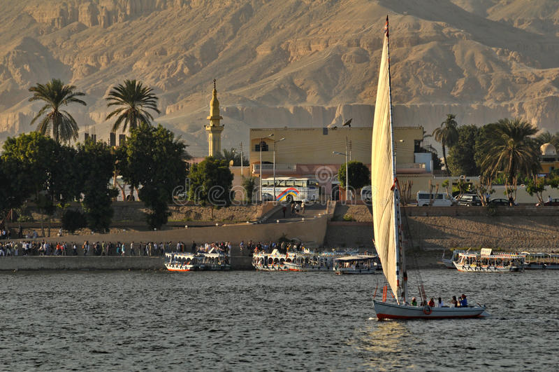 Barco de vela en el Nilo foto de archivo