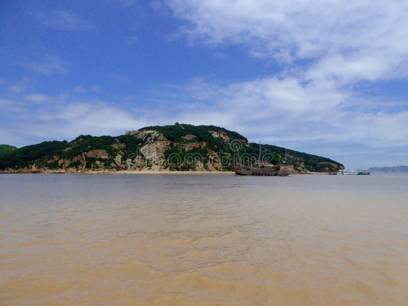 Barco de visita turístico de excursión en Putuoshan fotos de archivo libres de regalías