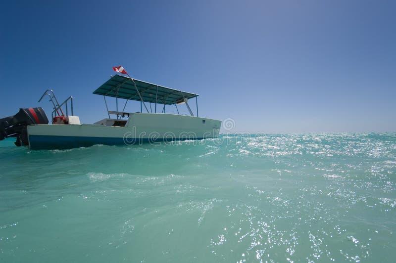 Barco del buceo con escafandra imágenes de archivo libres de regalías
