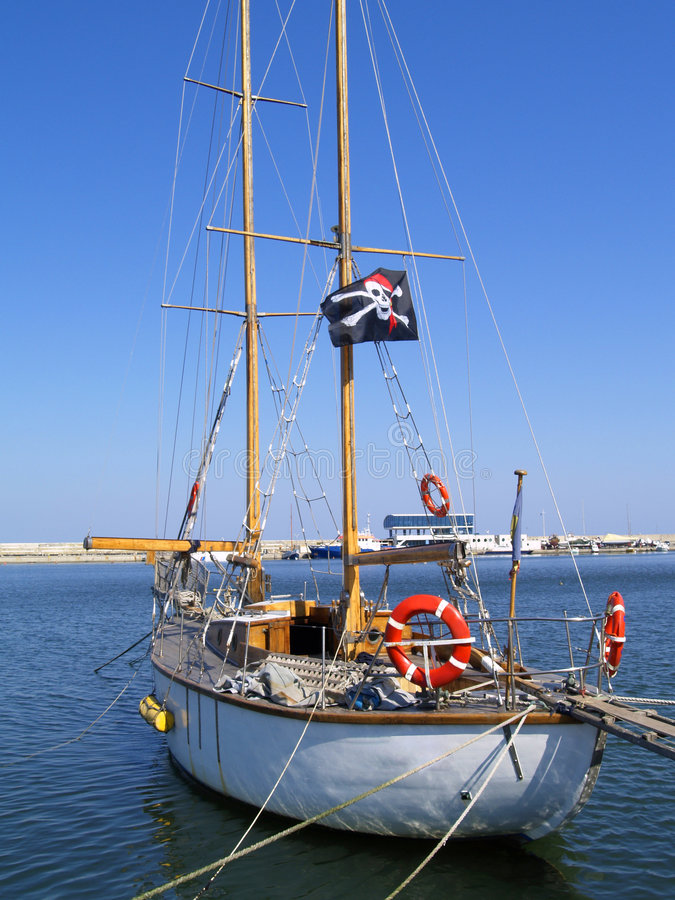 Barco del pirata imagenes de archivo