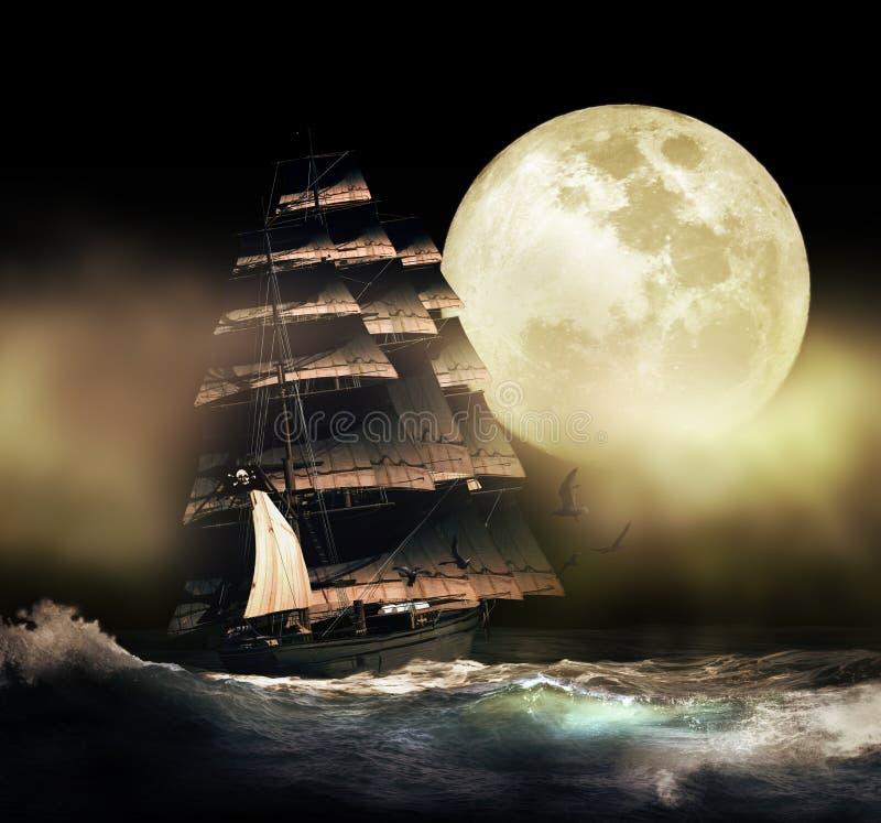 Barco del pirata debajo de la luna stock de ilustración