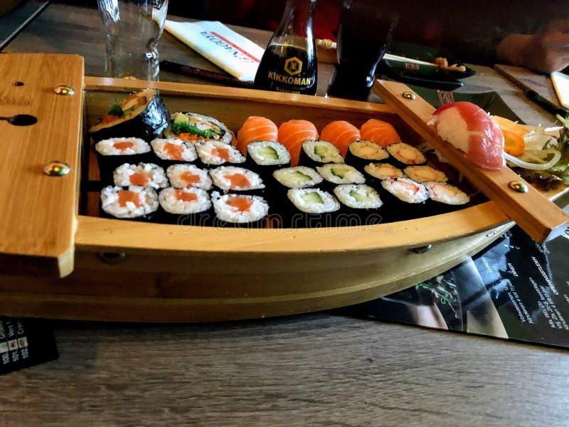 Barco del sushi imagen de archivo libre de regalías