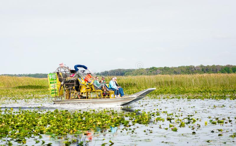Barco do ar no lago Florida imagens de stock royalty free