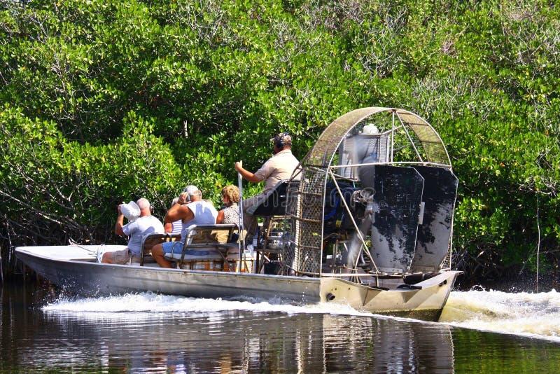Barco do ar nos marismas tropicais fotos de stock royalty free