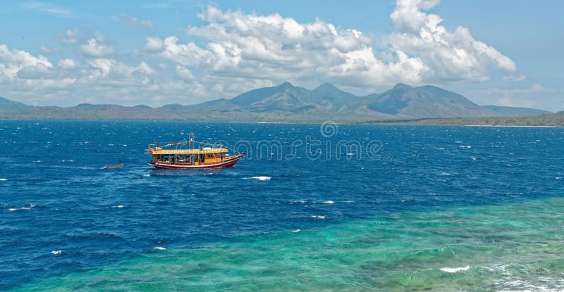 Barco do mergulho na ilha de Menjangan fotos de stock royalty free