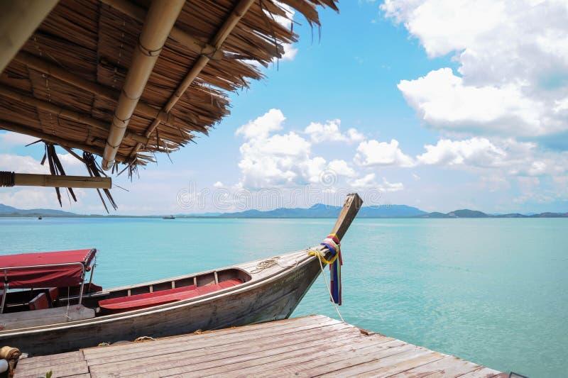 Barco e mar imagens de stock
