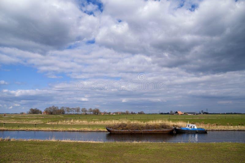 Barco en el río Linde fotos de archivo libres de regalías