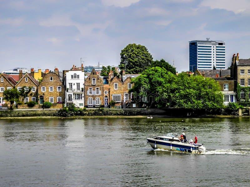 Barco en el río Támesis imágenes de archivo libres de regalías
