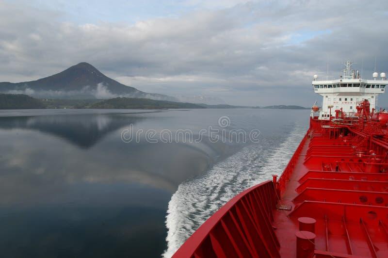 Barco en Elnesvågen imagen de archivo