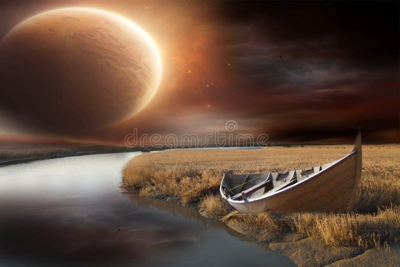 Barco encalhado ao lado do lago fotografia de stock royalty free