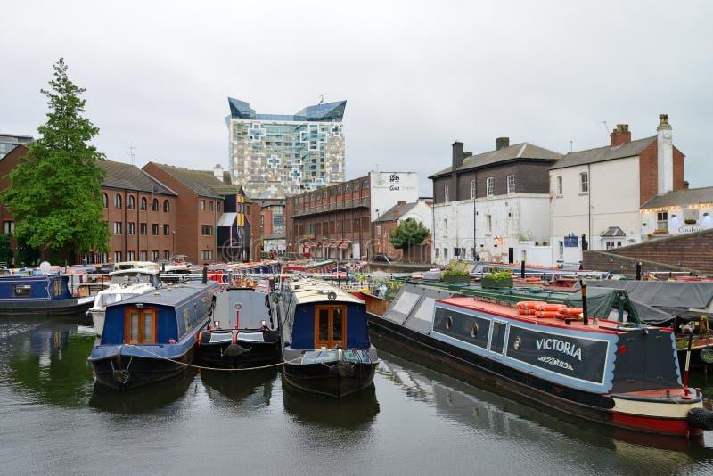 Barco estrecho colorido foto de archivo