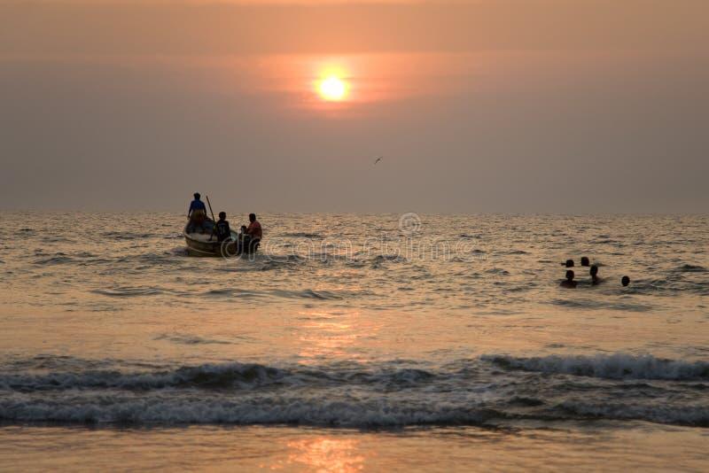 Barco indiano no por do sol 3 fotografia de stock royalty free