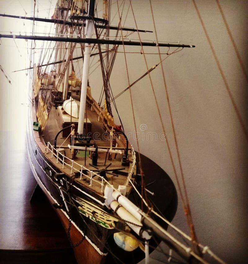 Barco modelo velho bonito imagem de stock