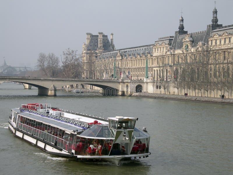 Barco na Paris foto de stock royalty free