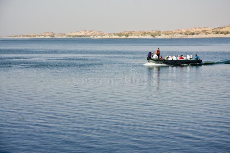 Barco no lago Nasser fotografia de stock