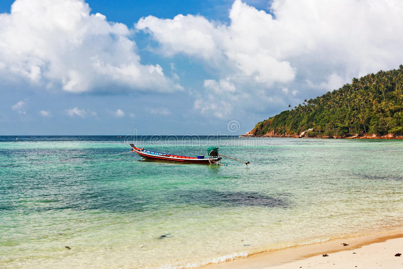 Barco no mar tropical tailândia fotos de stock royalty free