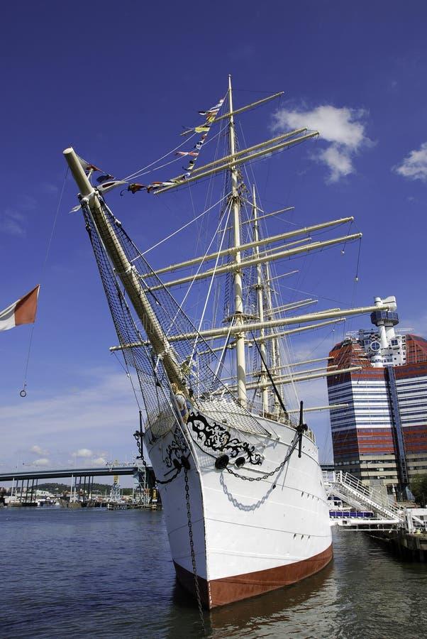 Barco no porto de Gothenburg fotografia de stock